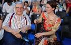 Петросян вперше показав спільне фото з молодою дружиною