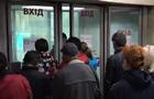 На второй день работы в метро Киева стало больше людей