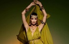 Белла Хадид снялась в прозрачном платье для Vogue