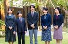 Японский принц шил защитные костюмы для медиков