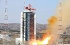 Китай запустив ракету Чанчжен-2D з двома супутниками