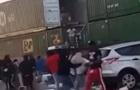 Беспорядки в США: толпы людей грабят поезда