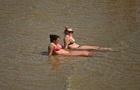 Украинцев попросили не купаться на одесских пляжах