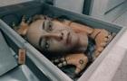 Лолита в новом клипе  отрезала  себе голову