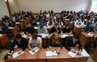 В киевских школах отменили выпускные экзамены