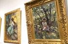 ДБР залишило картини Порошенка в музеї
