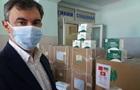 Медики Херсонщины получили защитные костюмы от фонда Новинского