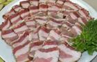 Украинцы едят в три раза меньше сала, чем жители ЕС