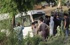 У Пакистані поїзд врізався в автобус з паломниками: 29 загиблих