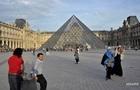 Лувр відкрився після тривалої перерви