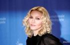 Мадонна сделала селфи топлес