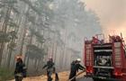 На Луганщине продолжают тушить пожар в трех очагах