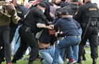 У Білорусі міліція затримала понад 100 осіб