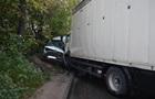 В Днепре грузовик врезался в маршрутку: десять пострадавших