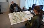 В Борисполе израильтянин предлагал сотруднице ГПСУ $3 тысячи взятки