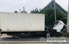 В Запорожье грузовик влетел в столб, есть жертвы