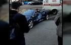 Столкновение Ferrari и маршрутки попало на видео