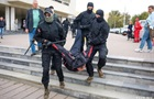 У Мінську стотисячний мітинг, до 100 затриманих