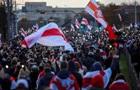 У Мінську протести розганяють світлошумовими гранатами