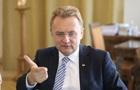 Мэр Львова ушел на самоизоляцию