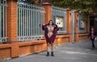 В Одессе Femen разделась под консульством Польши