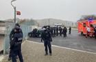 У Берліні авто врізалося у ворота офісу Меркель