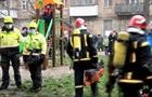 У Києві під час пожежі чоловік вистрибнув з вікна п ятого поверху
