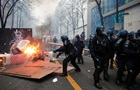 У Парижі протестують проти закону про поліцію