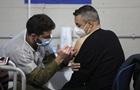 В Израиле начали вакцинировать от коронавируса старшеклассников