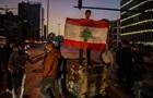 В Ливане протестующие закидали полицию боевыми гранатами