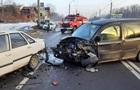 На Прикарпатье в ДТП попали шесть автомобилей