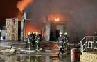 У Харкові виникла масштабна пожежа на складі