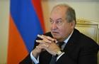 Президент Вірменії повторно відмовився звільняти главу Генштабу