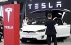 Вартість Tesla впала на третину за місяць