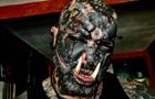 Решил стать орком: бразилец вставил клыки и рога