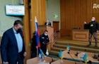 В Славянске на сессию горсовета принесли флаг РФ