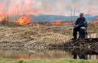 Белорусского рыбака не испугал пожар
