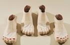 В Японии создали ботинки с пальцами и педикюром