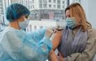 Первыми COVID-вакцины получат задействованные в ВНО учителя