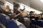 В Турции драка пассажиров самолета попала на видео