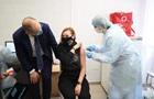 МОЗ заборонило вакцинувати позачергово