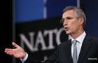 У НАТО заявили про десятки тисяч військових РФ на кордоні і в Криму