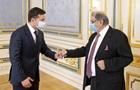 В Индии обещают COVID-вакцины Украине одной из первых