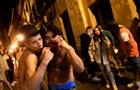 Іспанці відзначили зняття COVID-обмежень алкоголем і танцями