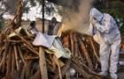 Неизвестные скинули в Ганг тела десятков людей, умерших от COVID-19