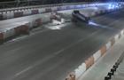 Опубликовано видео ДТП на мосту Патона в Киеве