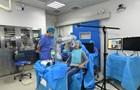 Китайский робот-стоматолог вставляет зубы