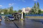 В Киеве перевернулcя бетоновоз
