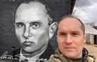 Журналист Бутусов складывает полномочия советника министра обороны