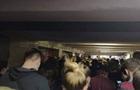В Киеве образовались скопления людей возле станции метро